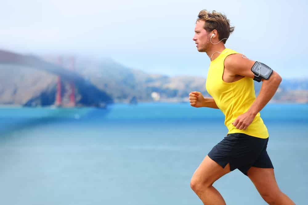 Sådan kommer du i gang med triatlon – Guide til udstyr og træning